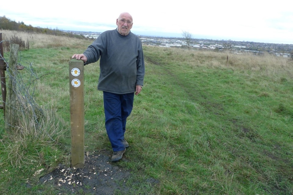 FORH committee member Bob Duncan alongside one of the newly installed waymarker posts.