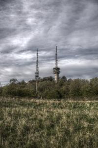 The masts on Turners Hill (image © Jane Tavener)