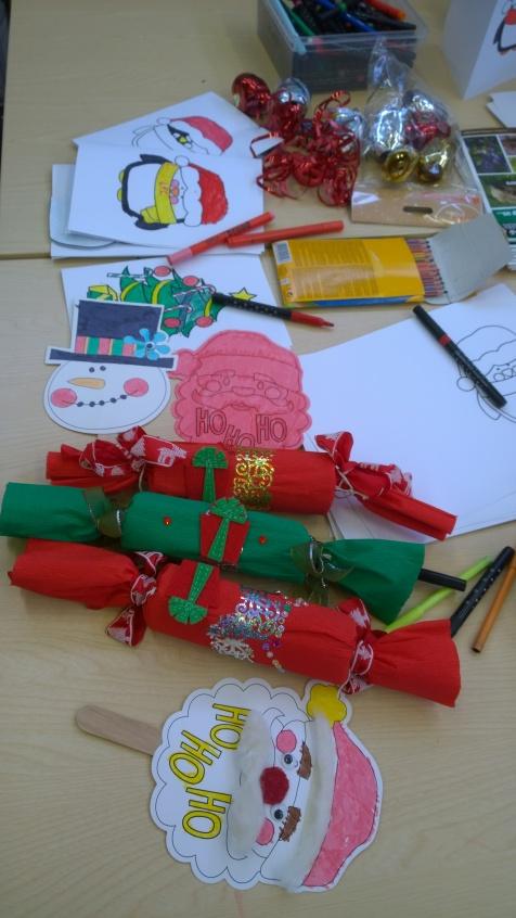 Christmas crafting at Oakham Library