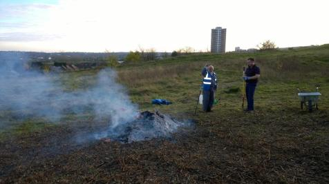 Burning bramble and hawthorn cuttings (image © Mike Poulton)